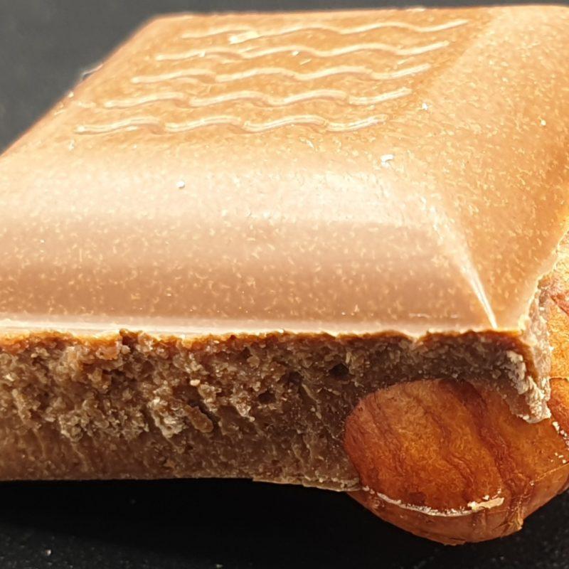 Tablette Chocolat au lait-noisettes de Cervione