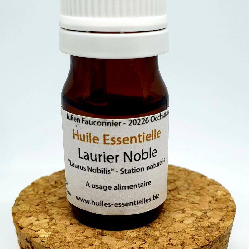Huile Essentielle Laurier Noble BIO – Sur la table de nuit ! –